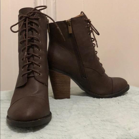 6506f98e476 Dollhouse Shoes - Dark brown chunky heeled booties